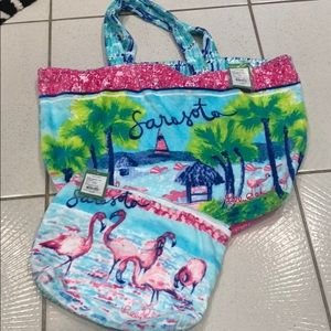 Lilly Pulitzer Destination tote bag /pouch